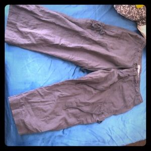GREY OLD NAVY CAPRIS!!!